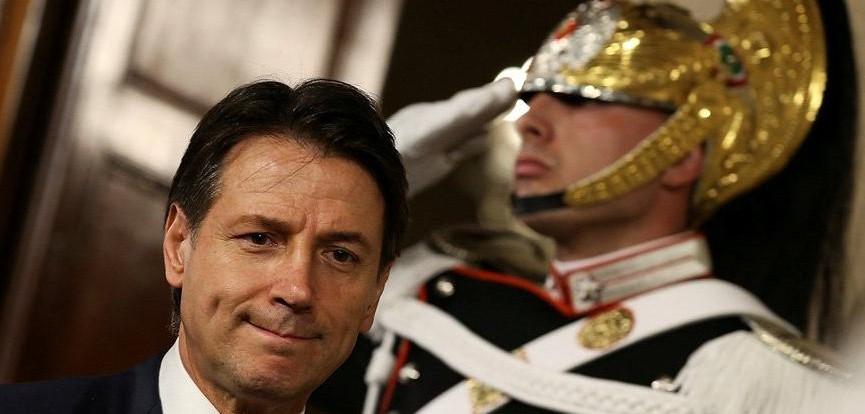 Emperyalist kampta neler oluyor? İtalya'da İMF darbesi püskürtüldü... Cotarelli geldi ve gitti!