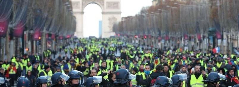 Fransa... Solun şablonları yıkılıyor mu?